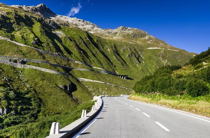 Col de la Furka - pour un road trip en Suisse