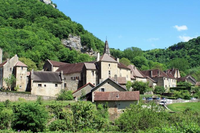 Baume-les-Messieurs, un village pittoresque