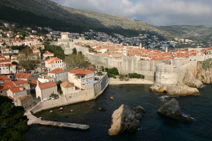 Vieille-ville de Dubrovnik vu depuis la forteresse de Lovrijenac