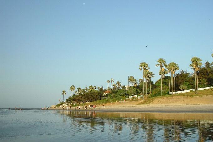 a9de15ee706ae2 Vous pouvez passer toutes vos vacances allongé sur un transat au bord de la  piscine ou sur une étendue de sable bordée de palmiers comme à Cape Point,  ...